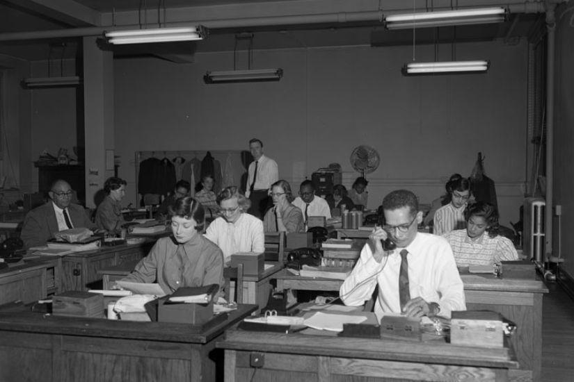 545592-des-employes-de-bureaux-americains-en-1955